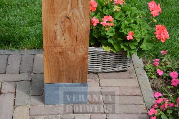 Luxe houten veranda of terrasoverkapping van giessen verandabouwers verandas en - Terracotta sokkel ...